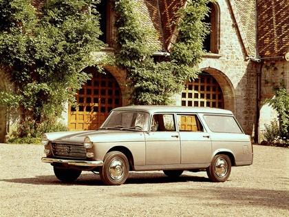 1960 Peugeot 404 Break 2