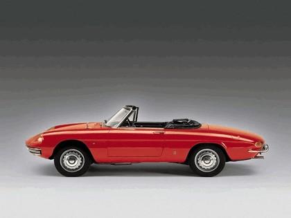 1966 Alfa Romeo Spider Duetto 3