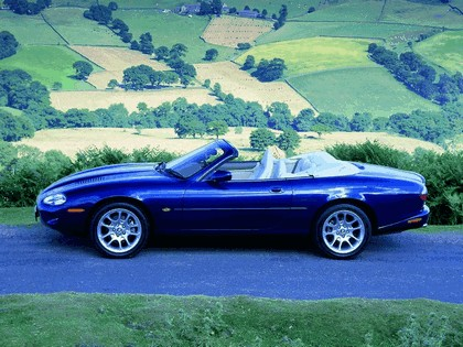 1998 Jaguar XKR convertible 3