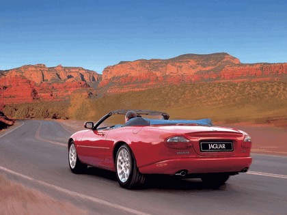 1998 Jaguar XKR convertible 8