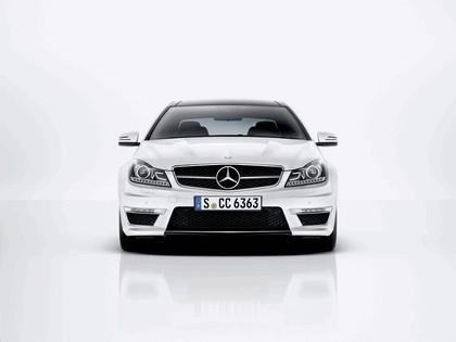 2011 Mercedes-Benz C63 AMG coupé 2