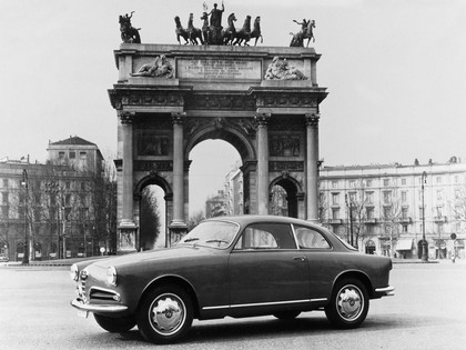 1954 Alfa Romeo Giulietta Sprint by Bertone 3