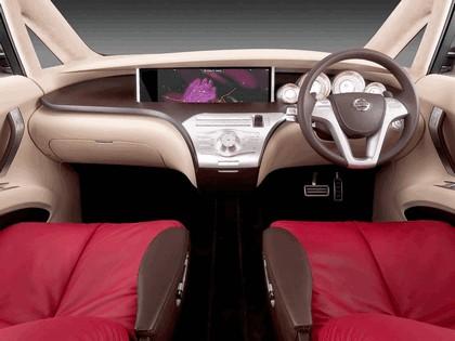 2005 Nissan Amenio 18