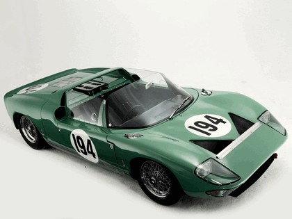 1965 Ford GT40 Works prototype roadster 2