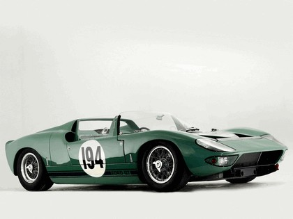 1965 Ford GT40 Works prototype roadster 3