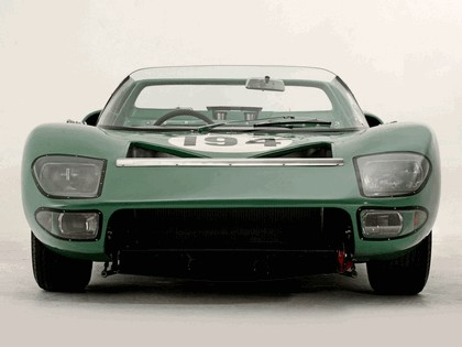 1965 Ford GT40 Works prototype roadster 4