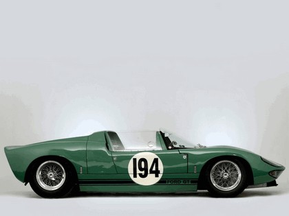 1965 Ford GT40 Works prototype roadster 10