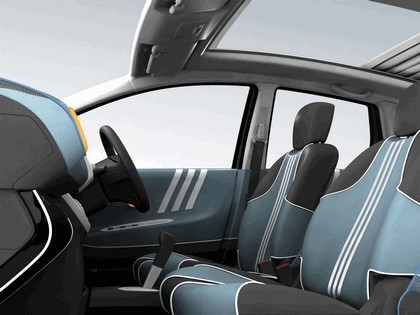 2005 Nissan Note inspired by Adidas 9