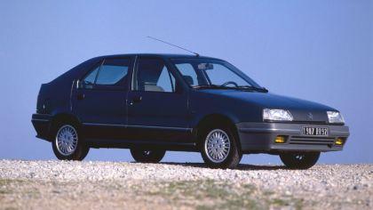1990 Renault 19 5-door 9