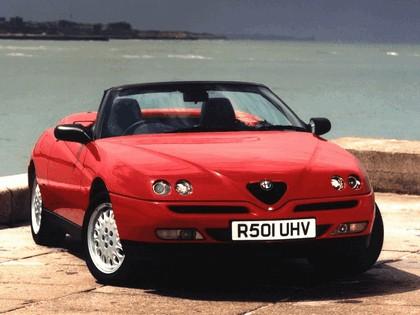 1994 Alfa Romeo Spider - UK version 4