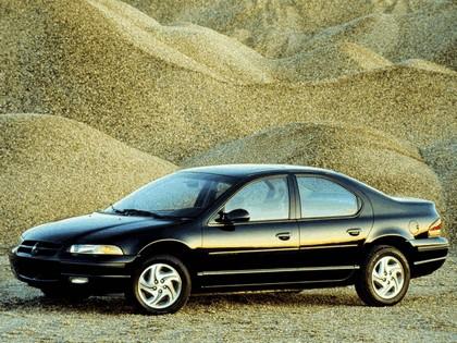 1995 Dodge Stratus 3