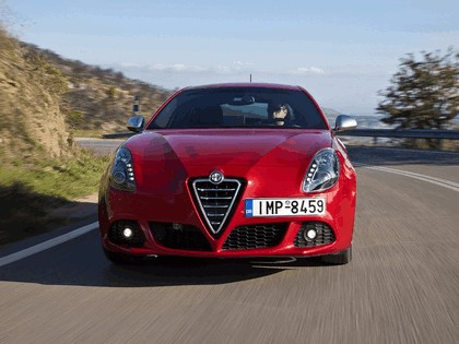 2010 Alfa Romeo Giulietta Quadrifoglio verde 5