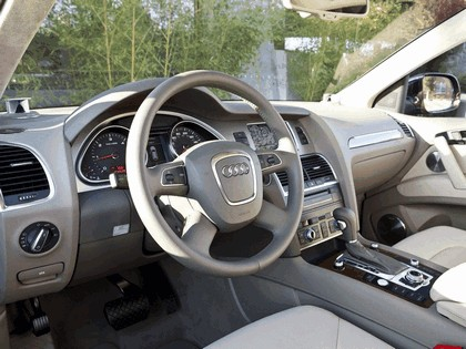 2010 Audi Q7 TDi Clean Diesel Quattro - USA version 7