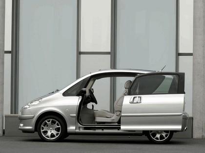 2005 Peugeot 1007 D-Day concept 4