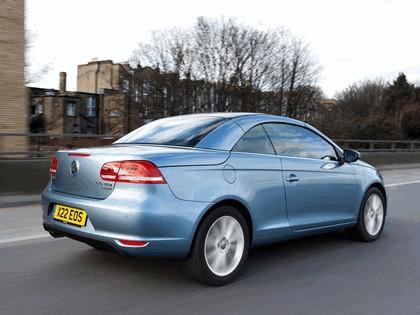 2010 Volkswagen Eos 2.0 TDi BlueMotion - UK version 13