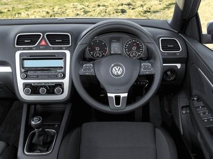 2010 Volkswagen Eos 2.0 TDi BlueMotion - UK version 27
