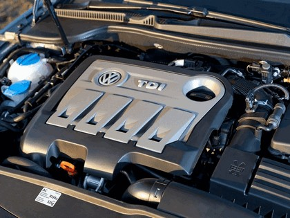 2010 Volkswagen Eos 2.0 TDi BlueMotion - UK version 29