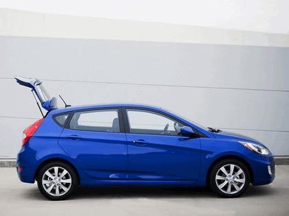 2011 Hyundai Accent 5-door 3
