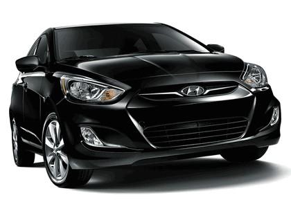 2011 Hyundai Accent sedan 5