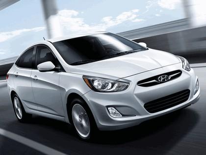 2011 Hyundai Accent sedan 7