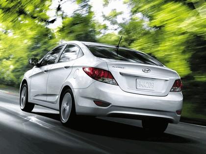2011 Hyundai Accent sedan 8