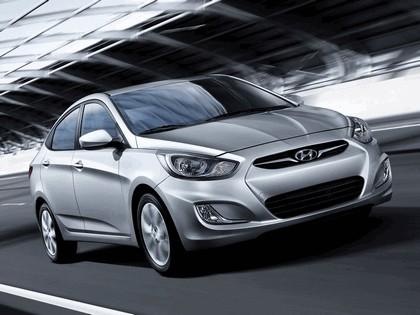 2011 Hyundai Accent sedan 9