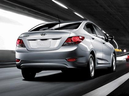 2011 Hyundai Accent sedan 10