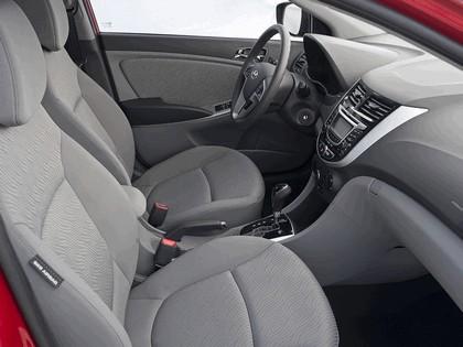 2011 Hyundai Accent sedan 19