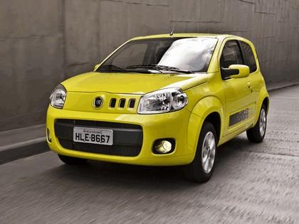 2011 Fiat Uno Vivace 3-door 4