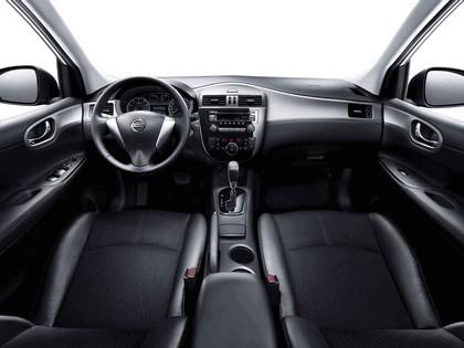 2011 Nissan Tiida 4