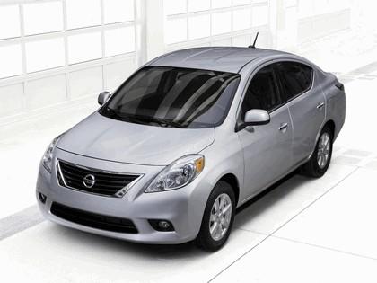 2011 Nissan Versa 1