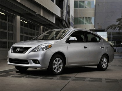 2011 Nissan Versa 2
