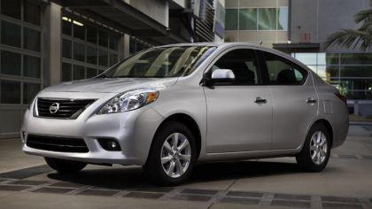 2011 Nissan Versa 5