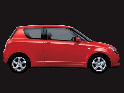 2005 Suzuki Swift 3-door 2