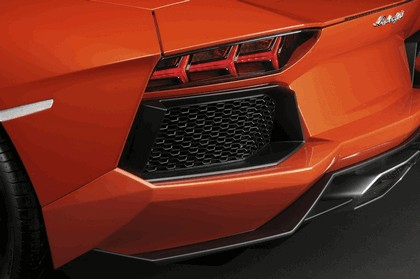 2011 Lamborghini Aventador LP700-4 6