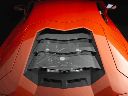 2011 Lamborghini Aventador LP700-4 8