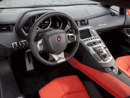 2011 Lamborghini Aventador LP700-4 37
