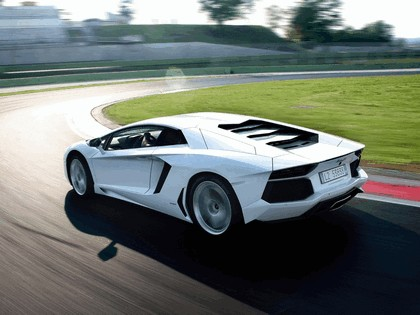 2011 Lamborghini Aventador LP700-4 85