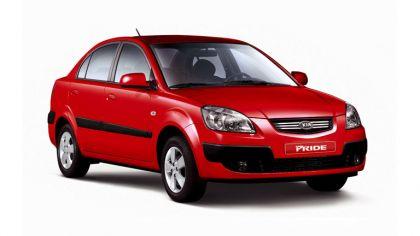 2005 Kia Pride sedan 9