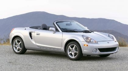 2005 Toyota MR2 spyder 6