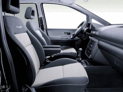 2005 Volkswagen Sharan Freestyle 3