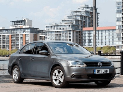 2010 Volkswagen Jetta - UK version 2
