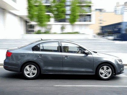 2010 Volkswagen Jetta - UK version 14