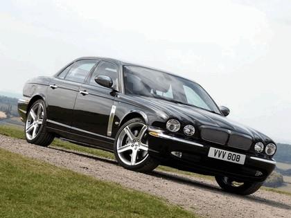2006 Jaguar XJR Portfolio UK version 6