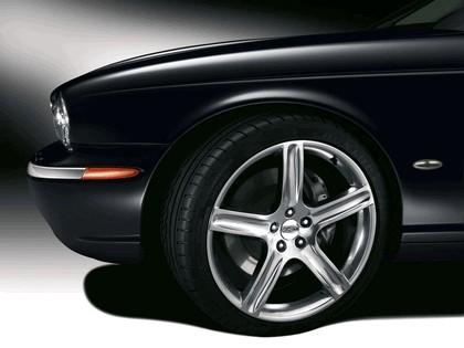 2006 Jaguar XJR Portfolio UK version 13