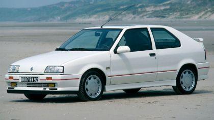 1988 Renault 19 16v 3-door 8