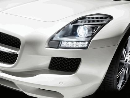 2011 Mercedes-Benz SLS AMG roadster 13