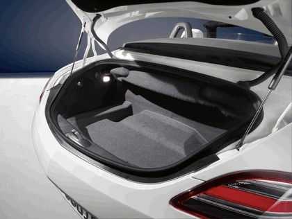 2011 Mercedes-Benz SLS AMG roadster 15