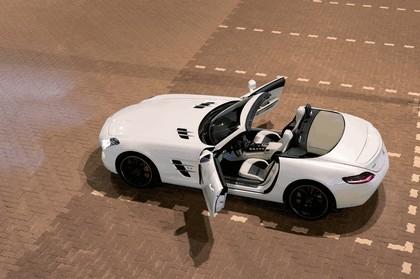 2011 Mercedes-Benz SLS AMG roadster 24