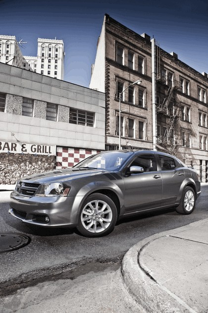 2012 Dodge Avenger RT 3